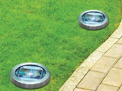 Ideální využití pro solární lampy je jako orientační osvětlení