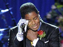 Jacksonův bratr Jermaine zazpíval píseň Smiles