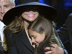 Janet s dcerami Michaela Jacksona La Toyou a Paris