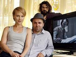Nový film Hodinu nevíš na festivalu představili zleva herečka Vlastina Svátková, režisér Dan Svátek a hudební skladatel Varhan Orchestrovič Bauer.