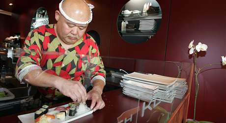 Tadayoshi Ebina z restaurace Koiishi (v překladu U Malého kamínku) v Brně