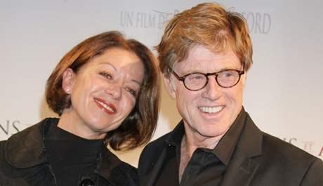 Robert Redford s manželkou Sibylle Szaggarsovou