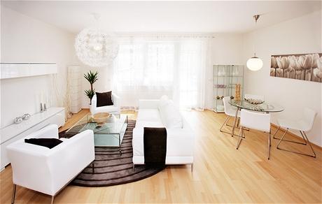 Bílá barva prostor opticky zvětšuje a odlehčuje