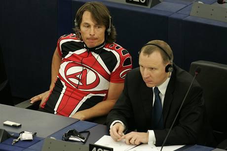 Edvard Ko�u�n�k na prvn�m zased�n� Evropsk�ho parlamentu