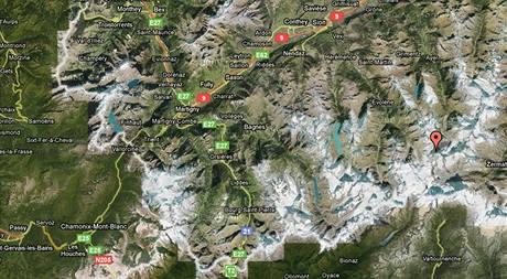 Dent Blanche v Peninských Alpách ve Švýcarsku