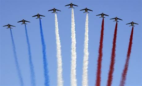 Během přehlídky se předvedlo i francouzské letectvo (14. července 2009)