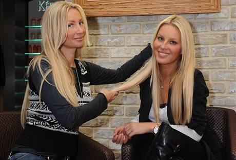 Majitelka salonu YES VIP Lucie Libovická s topmodelkou Simonou Krainovou