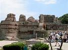 Ruiny kostela jsou upravené, ale v okolí najdete většinou upomínkové kýče. Ty bohužel zaplavily veškerá turistická střediska