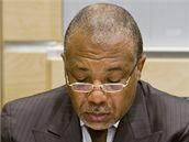 Charles Taylor před zvláštním soudem v Haagu (13. července 2009)