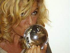 Oceněná herečka Paprika Steenová (Potlesk)