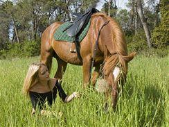 Taková idylka se dá zažít i tehdy, když vlastního koně nemáte. Prostě si ho půjčíte.