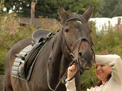 V některých stanicích se vám o koně kompletně postarají, jinde vám