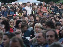 Colours of Ostrava 2009 - publikum při koncertu Michaela Nymana