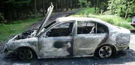 Vypůjčené auto, kterým přijela oběť na místo činu