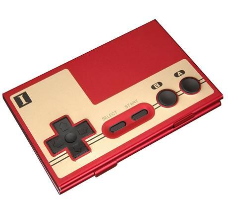 Vizitkovník v podobě NES ovladače