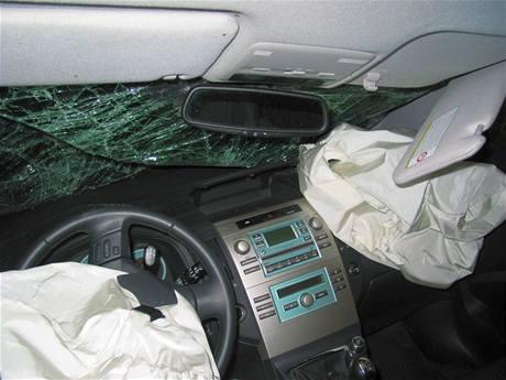 Nehoda Toyoty Corolla u Slavkova u Uherského Brodu(23.7.2009)