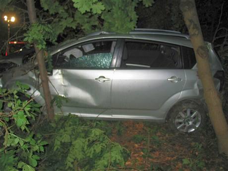 Nehoda Toyoty Corolla u Slavkova na Uherskohradišťsku (23.7.2009)