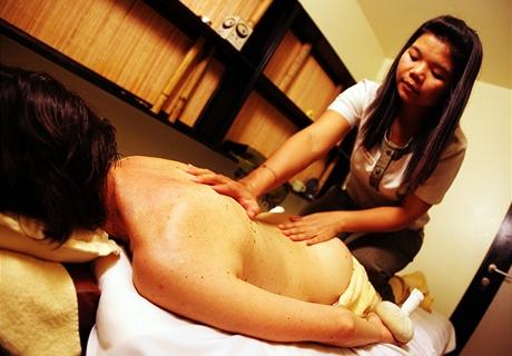Asijská zdravotní masáž zad