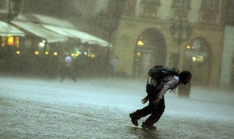 Odpolení bouřka v centru Prahy. (23. července 2009)