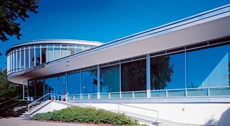 Původní ocelová kostra konstrukce v kombinaci se sklem nesplňovala dnešní nároky na tepelnou izolaci