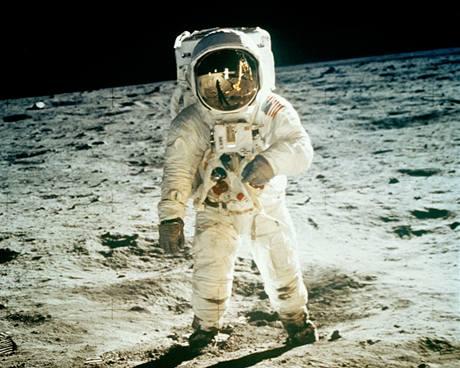 Astronaut Buzz Aldrin 20. července 1969 na povrchu Měsíce