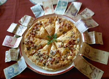 Podněstří. Vůbec se nevyznám v místních penězích, ušmudlaných rublech, které nikde jinde neplatí. Pizzu mají jako buchtu, vyjde na čtyřicet korun.