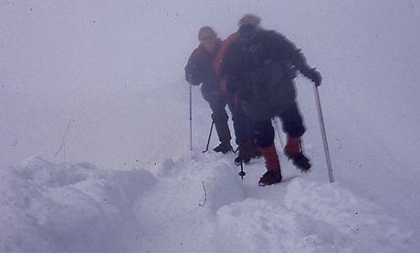 Výstup na Mont Blanc (4 810 m). Stoupání po vrcholovém hřebenu