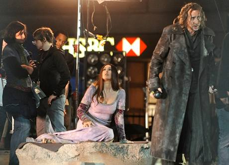 Z natáčení filmu The Sorcerer's Apprentice - Nicolas Cage a Monica Belluciová