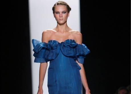 Model z přehlídky Carolina Herrera