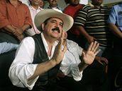Manuel Zelaya při tiskové konferenci v Esteli u honduraské hranice (24. července 2009)