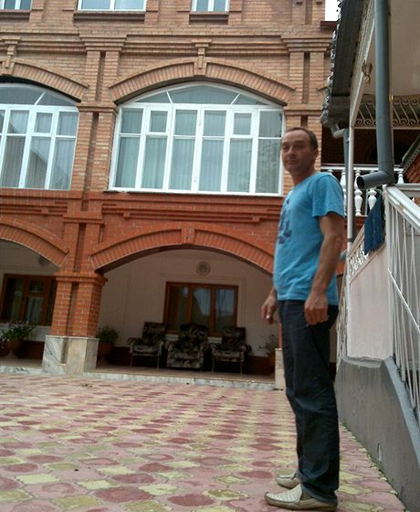 Musa Gazgirejev mě ubytoval ve svém domě (foceno z mobilu)