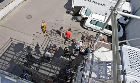 Česká televize Brno natáčí v režii Vladimíra Michálka cyklus hororových příběhů podle podle předlohy Miroslava Švandrlíka Okno do hřbitova