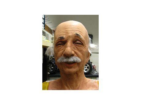 Hyper-realistick� robot s hlavou Alberta Einsteina