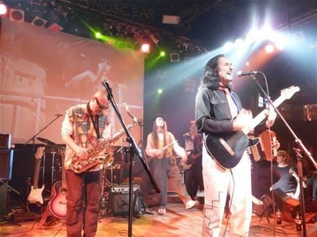 Nahoru po schodišti dolů band, výroční koncert, 2008
