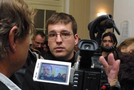 David Pěcha u soudu v roce 2003.