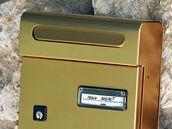 Poštovní schránka lichtenštejnsé společnosti Raben Anstalt v italském letovisku Monte Argentario.