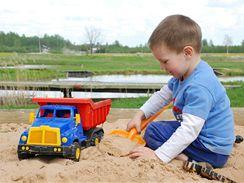 Nezabezpečené pískoviště není pro děti zrovna ideální