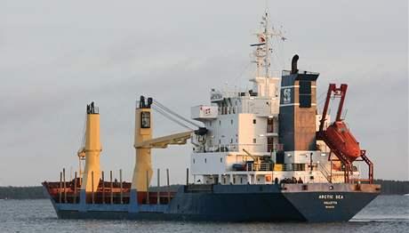 Po nákladní lodi Arctic Sea pátrají i ruské válečné lodě