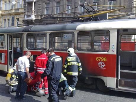 Tramvaj, která hořela ve Francouzské ulici (10.8.2009)