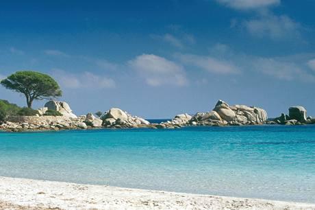 Francie, Korsika. Pláž Palombaggia