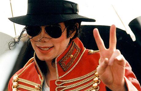 Michael Jackson při své návštěvě Prahy v roce 1996
