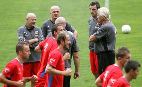 Ivan Hašek, Michal Bílek a Karel Brückner na tréninku reprezentace