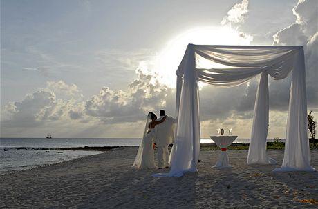 Kajmanské ostrovy, svatba na pláži