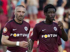 Sparta - Kladno: domácí Bony Wilfried (vpravo) slaví svůj gól s Tomášem Řepkou