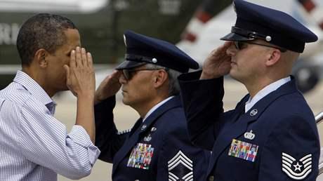 Americký prezident Barack Obama přiletěl na dovolenou (23. srpna 2009)