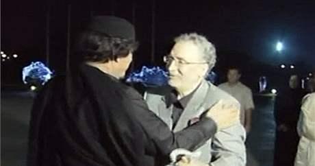 Kaddáfí vítá v Libyi Midžrahího (21. srpna 2009)
