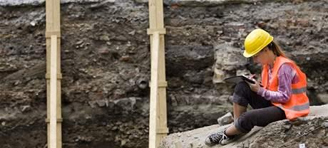 U stanice metra Národní třída pokračují archeologické práce