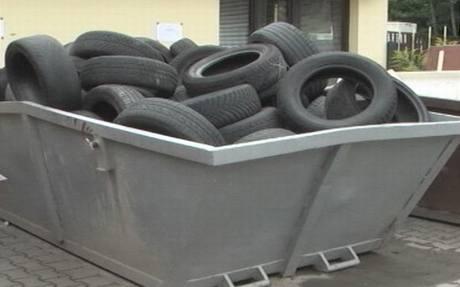 Za pneumatiky se platí i v některých sběrných dvorech, kde je jinak vše zdarma