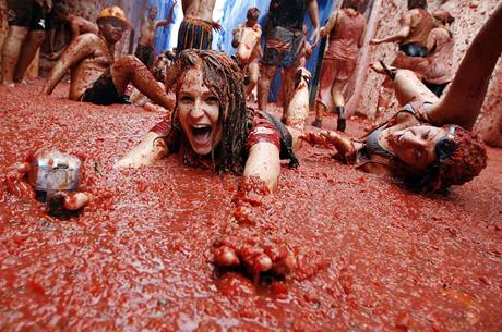Na  bitvu se použilo více než 100 tisíc kilo rajčat (26.8.2009)