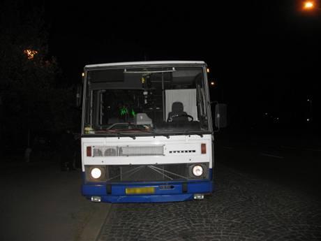 Autobus, který ukradl opilý neřidič v Pardubicích a vyjel na výlet